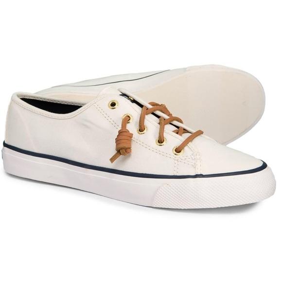 Euc Seacoast Canvas White Sneakers 8
